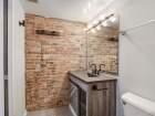 1259 N Wood St Unit 204 bathroom
