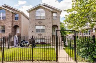 9122 S Greenwood Ave, Chicago IL 60619