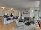330 W Grand Living room