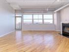 500 S clinton  living room