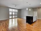 725 N Aberdeen Living room