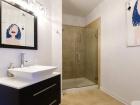 757 N Orleans St #1006 bathroom