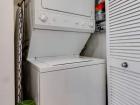 845 N Kingsbury washer/dryer
