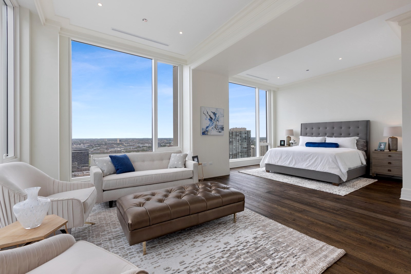 jonathan toews gold coast condo