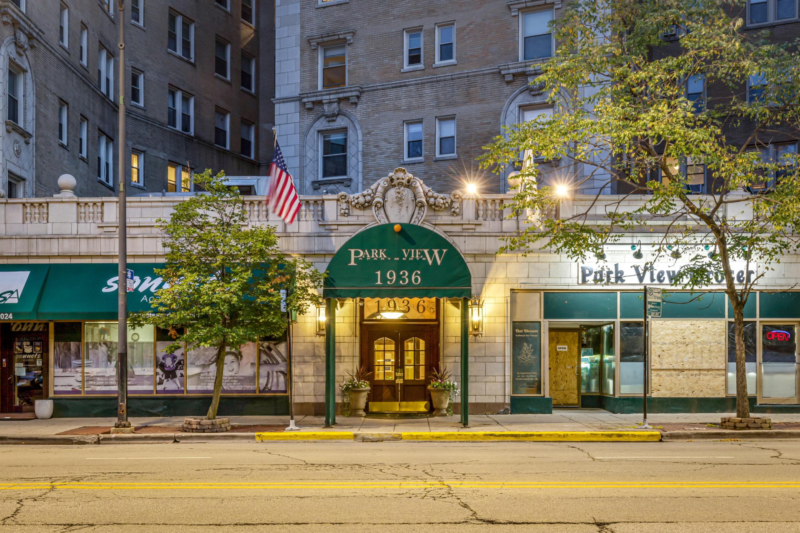 Park View Apartments 1936 N Clark
