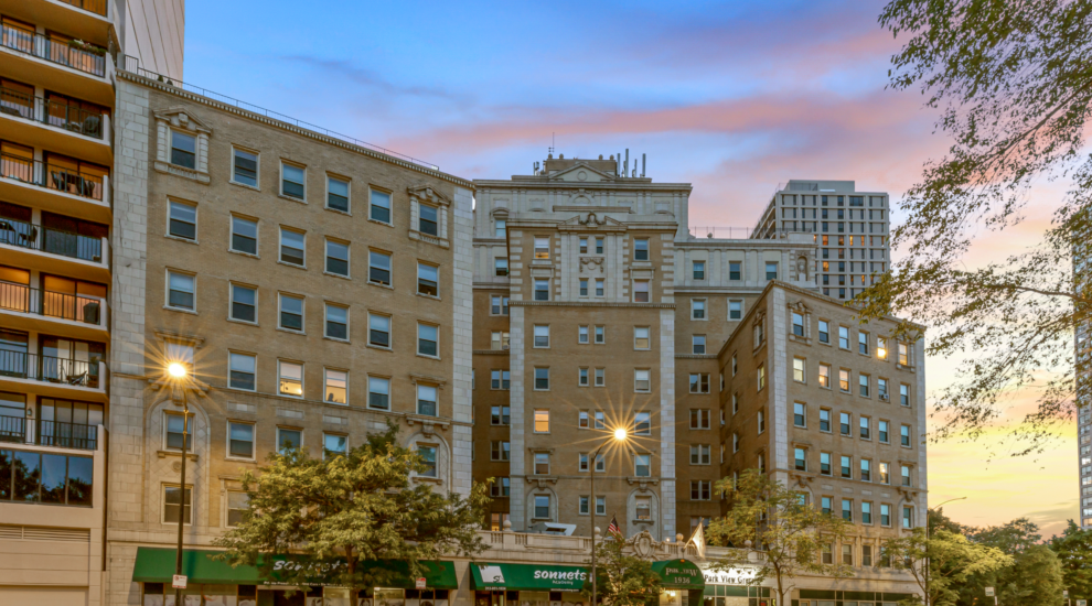 Park View Apartments - 1936 N Clark